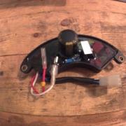 Бензиновый генератор не выдает ток причина стабилизатор напряжения 30 kva